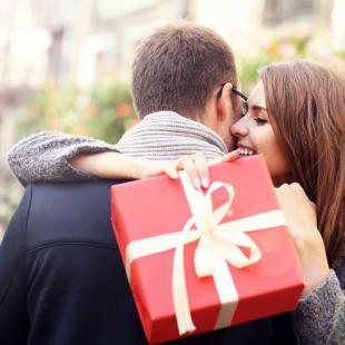 Femeie intalnire cadou de ziua de na? tere Adevaratul site de dating